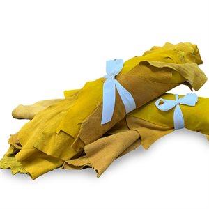 Petit ballot retailles de suède de chevreuil jaune or (2-3oz)